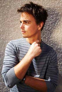 Is Darin Brooks Gay? - vooxpopuli.com