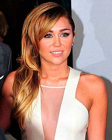 Is Miley Cyrus Gay? - vooxpopuli.com