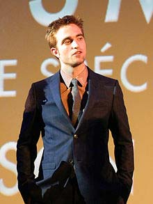 Robert Pattinson - vooxpopuli.com