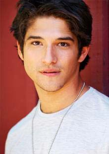 Is Tyler Posey married? - vooxpopuli.com