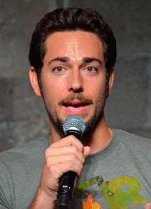 Zachary Levi smoking - vooxpopuli.com